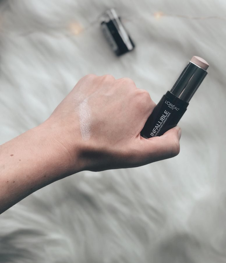 Drugstore makeup first impressions - Loreal Infallible Highlight Stick, beauty on a budget. Is this product worth the hype?