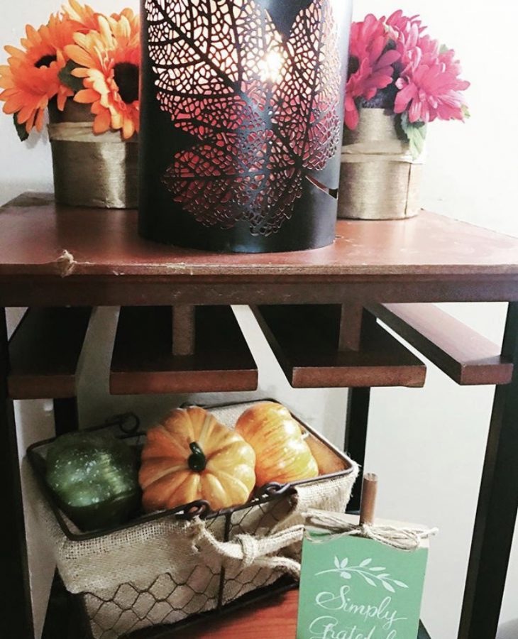 How to cozy up your home for the fall. The best fall home decor ideas.