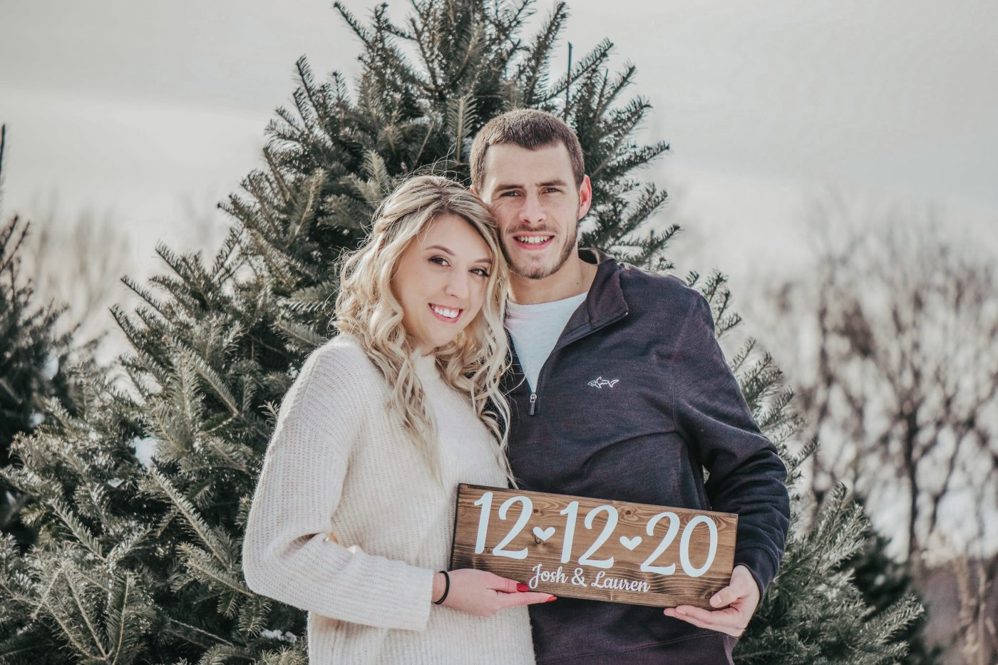 Winter Engagement Photo Ideas