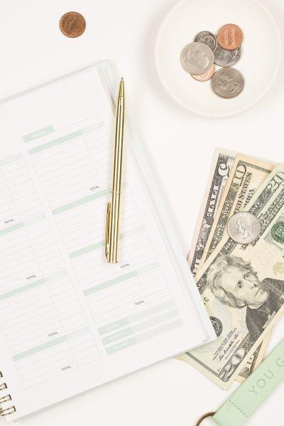 13 money habits wealthy women practice daily