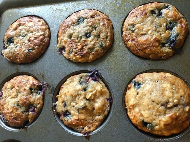 Healthy, quick and easy snack ideas to make during quarantine - Blueberry Baked Oatmeal Cups