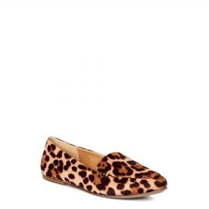 Animal print flats from Walmart that I love.